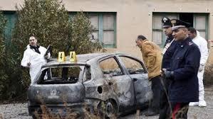 L'auto bruciata dove è morto Cocò