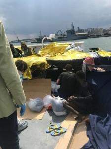 Migranti sulla Diciotti 3
